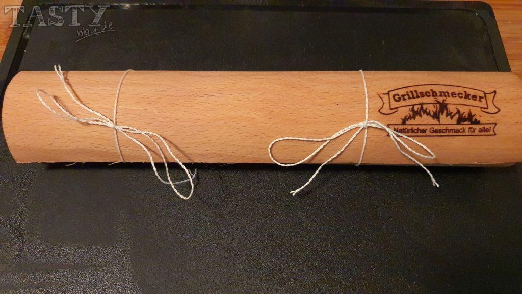 fertige gebundene Woodpaperrolle